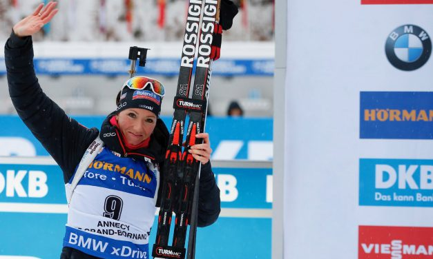 Selina Gasparin au pied du podium