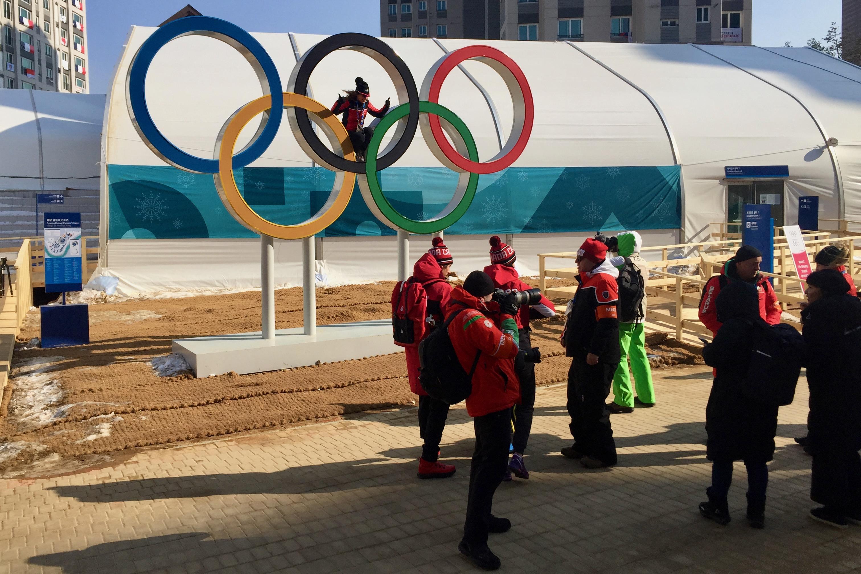 Passage obligé: la photos avec les anneaux olympiques.