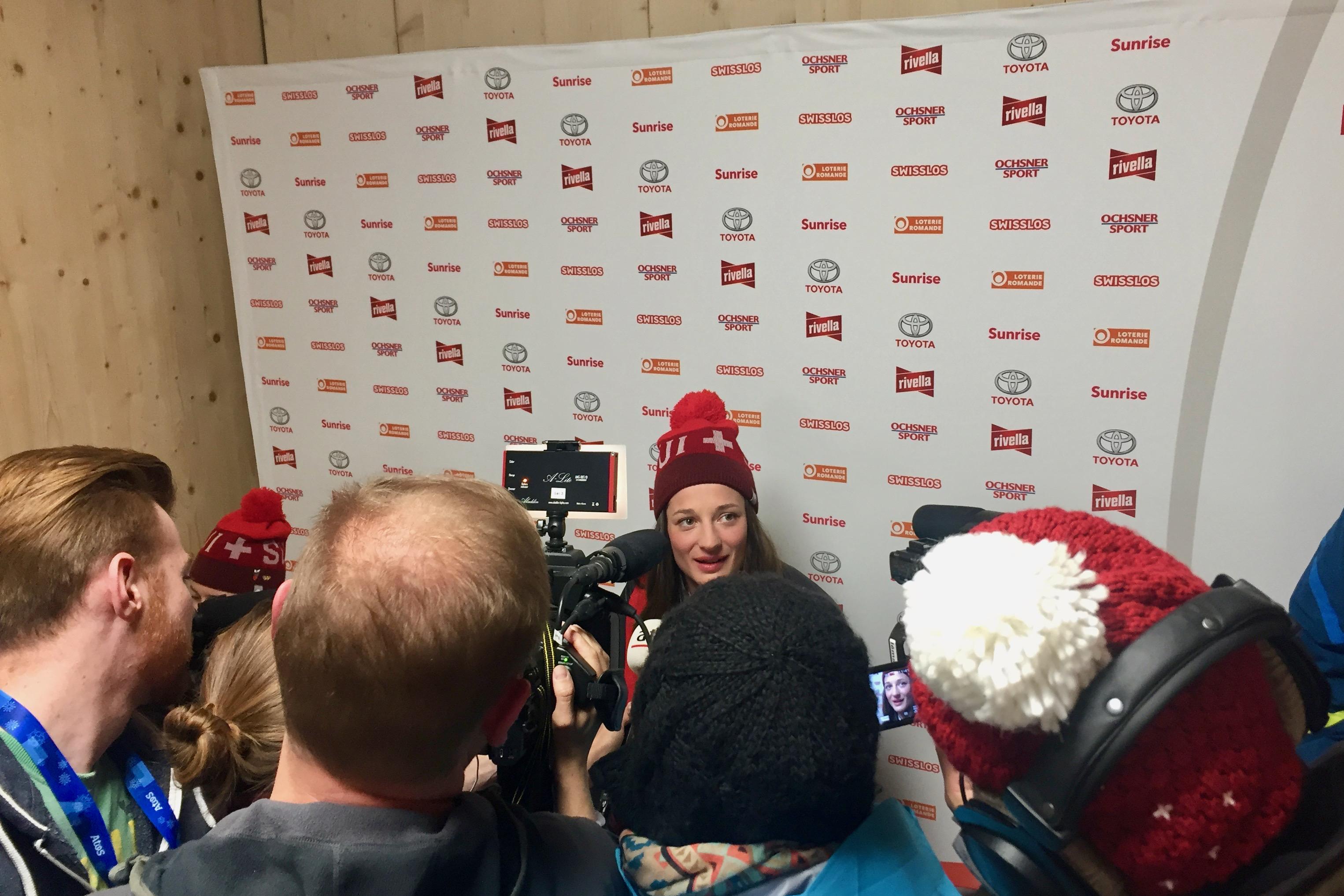 En conférence de presse à la Maison suisse. (LMO)