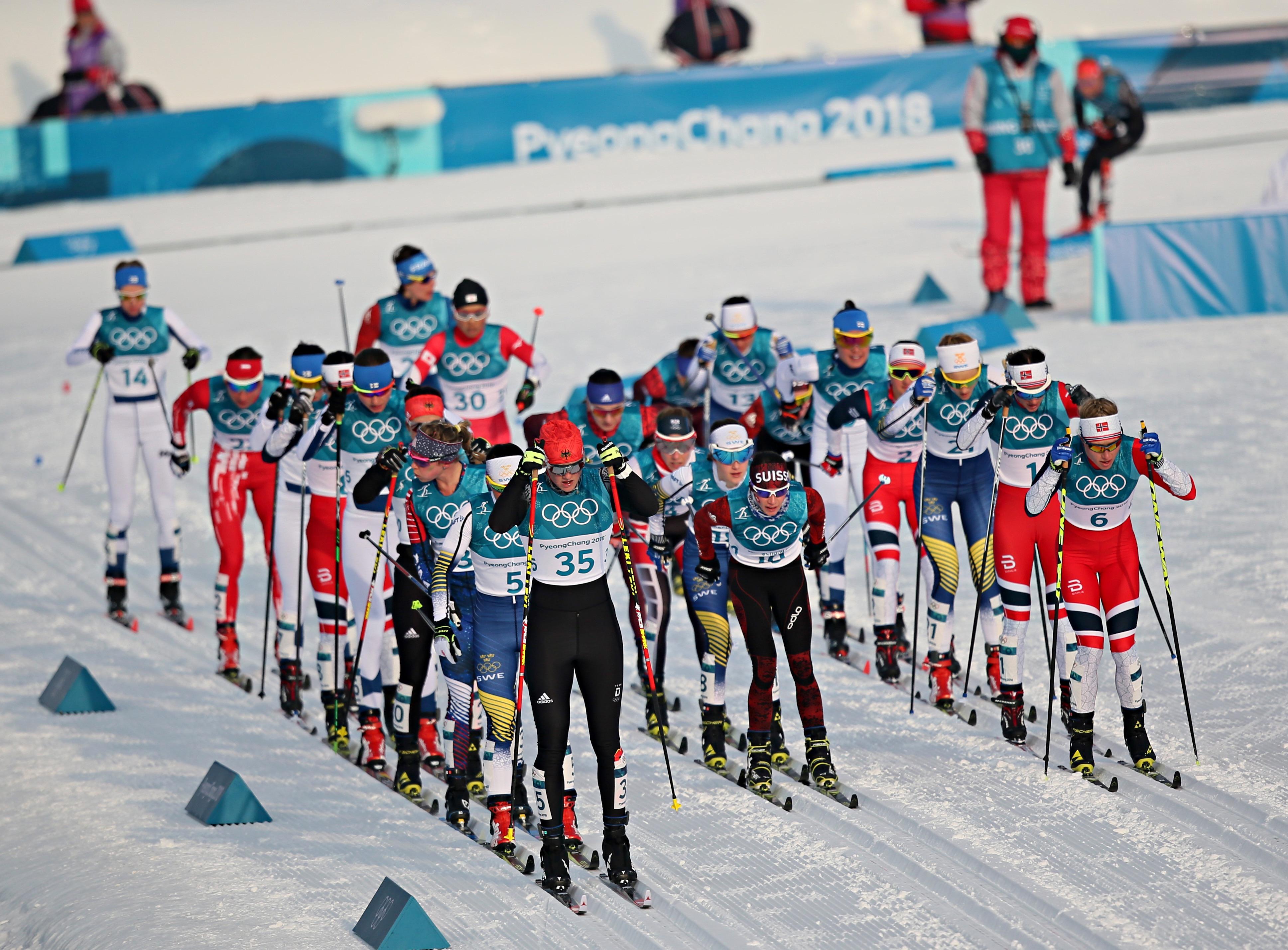 Skiathlon féminin, avec Nathalie von Siebenthal au centre.