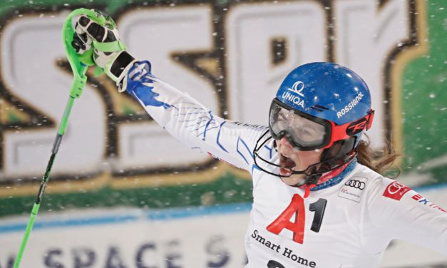 Petra Vlhova bat Mikaela Shiffrin à la régulière