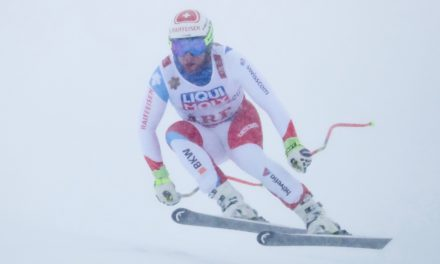 La déception de Beat Feuz au pied du podium