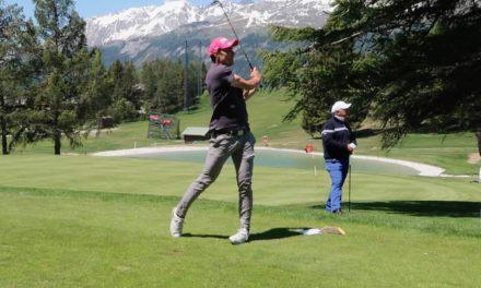 Les skieurs romands jouent au golf pour la bonne cause