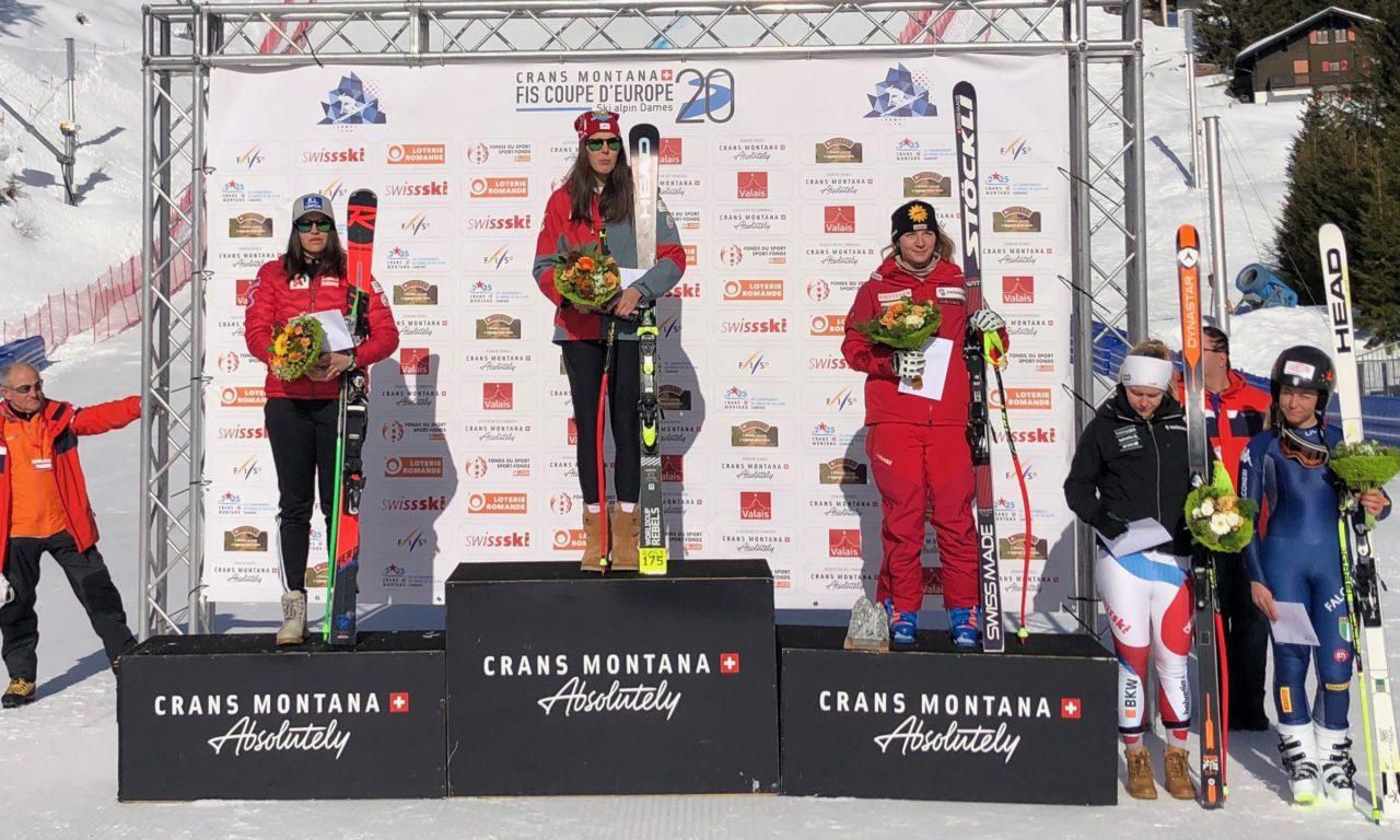 Jasmina Suter sur le podium de Crans-Montana