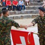 Iouri Podladtchikov va aider l'armée