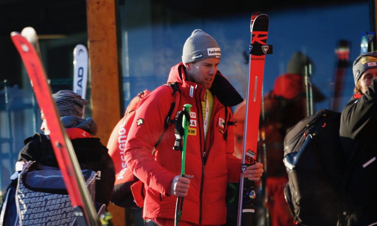 Lâché par son corps, Marc Gisin range les skis