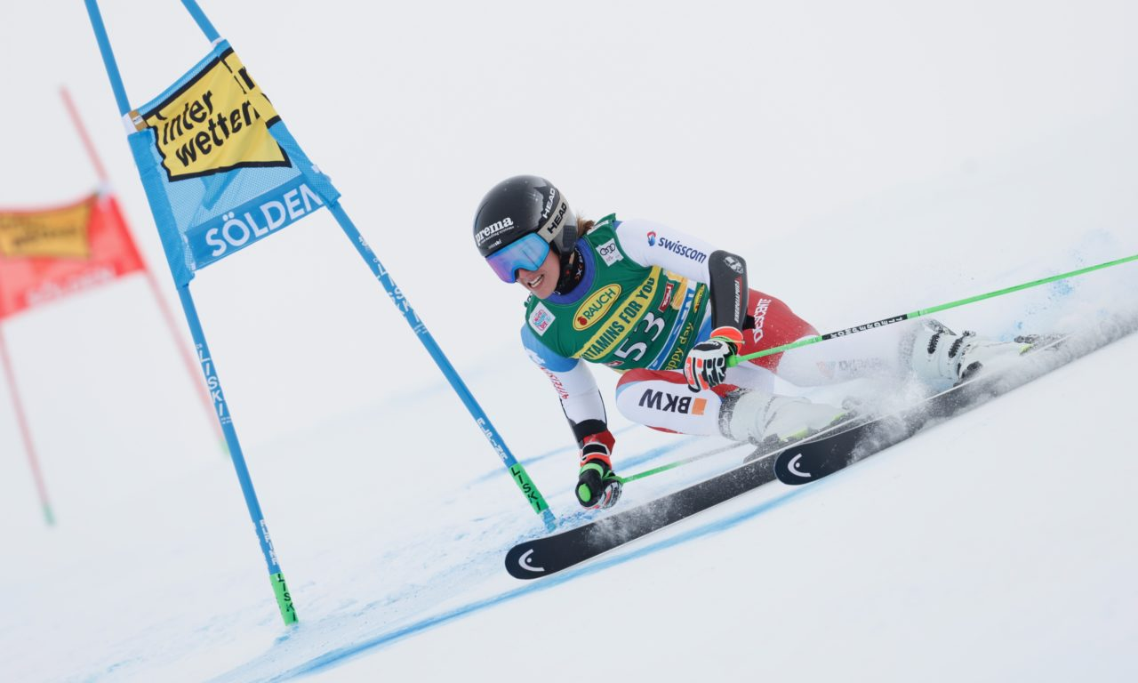 Camille Rast - ép. 7: La première course | SkiActu.ch