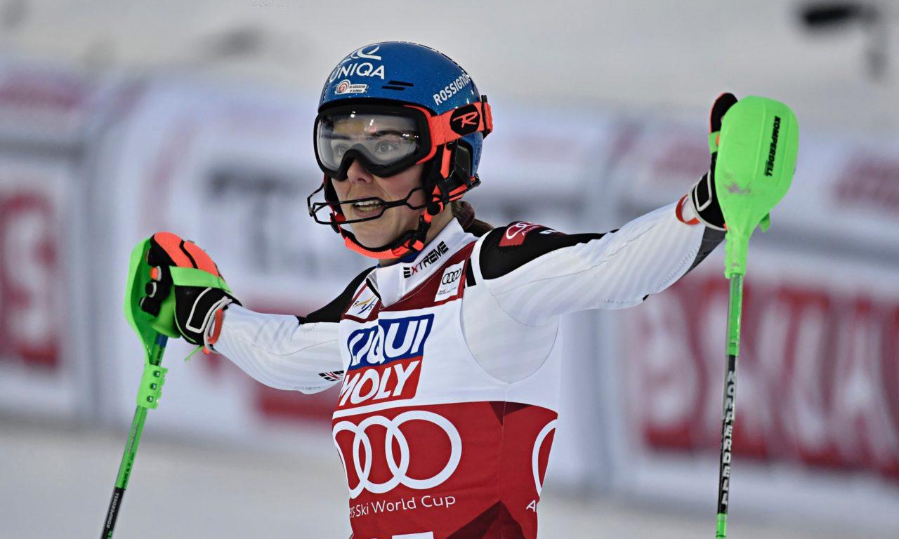 Petra Vlhova fait coup double en Suède